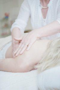 massage-650879_960_720